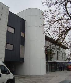 Mercedes garage te Turnhout. Opdrachtgever  Allpro